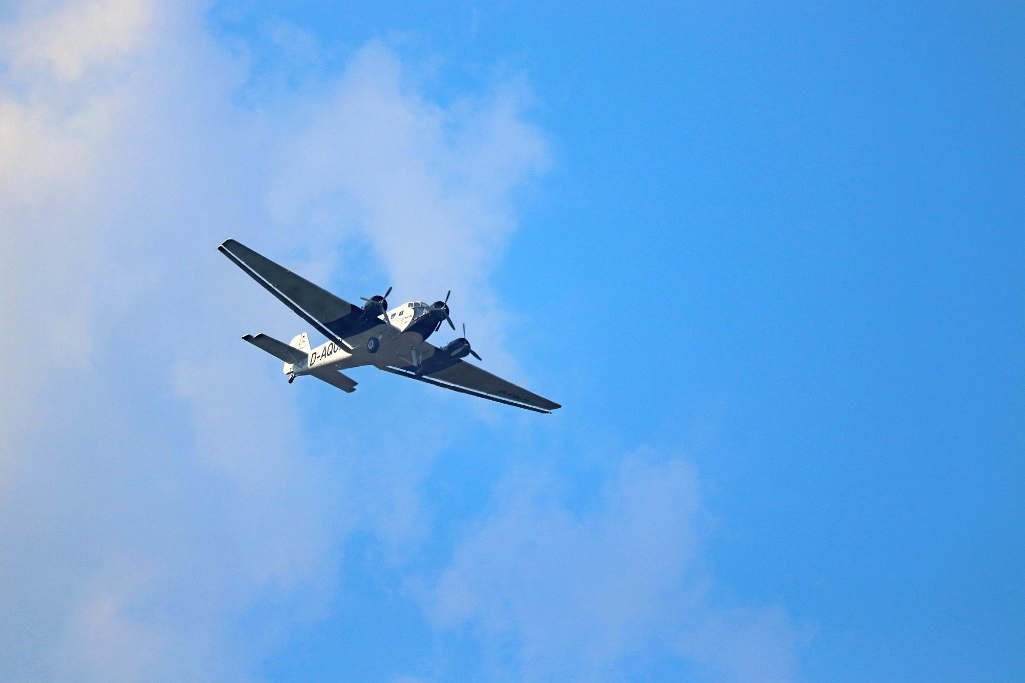 Junkers Ju 52/3m, seitlich von vorne